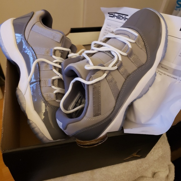Jordan Shoes - Jordan  11 low grays